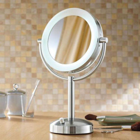 9 best lighted makeup mirrors in 2017 makeup and vanity mirrors with lights. Black Bedroom Furniture Sets. Home Design Ideas