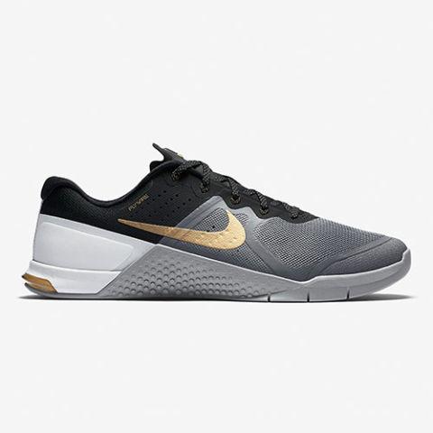 Nike Walking Shoes Women Reinforced Toes
