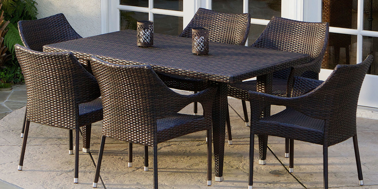 11 best patio dining sets for summer 2017 outdoor patio for Patio furniture table set