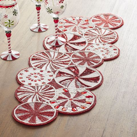 Christmas Table Runners. Awesome Christmas Table Runner Pattern ...