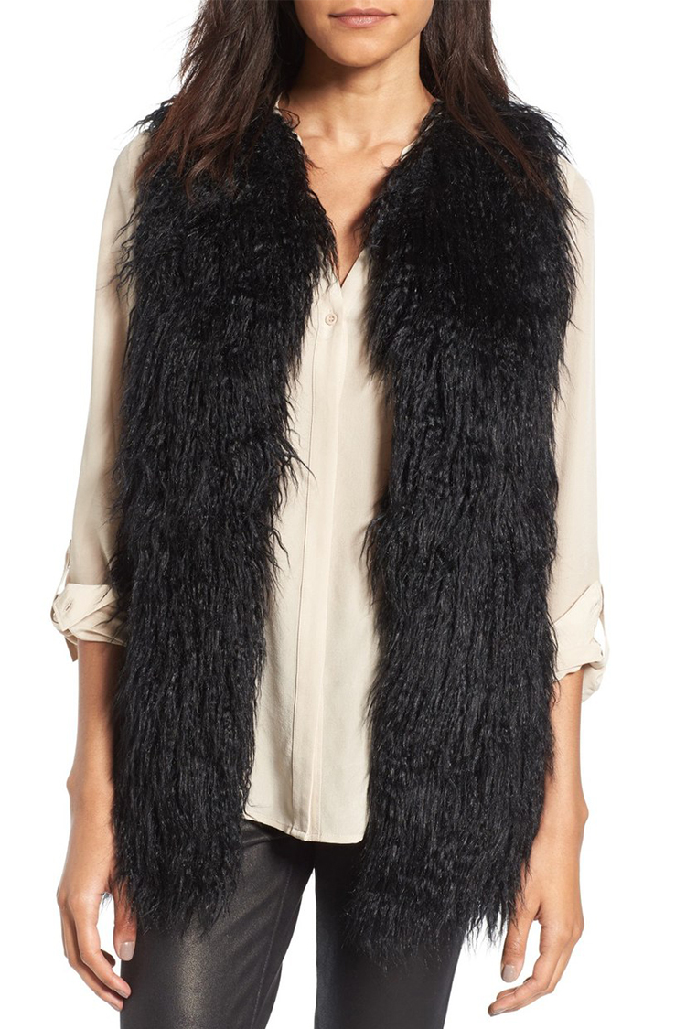 Oct 04,  · Wear a fur vest over your favorite black dress, and add high boots to look extra fancy. Source. The perfect simple fall outfit consists of a huge sweater, a fur vest, and a floppy hat. Source. Wear dress shorts over black tights and layer with a .
