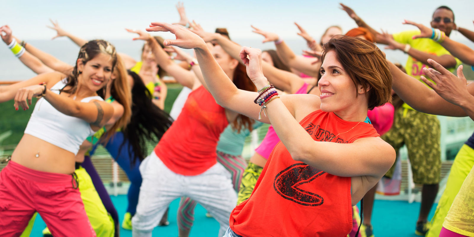 7 best zumba classes in 2018 fun zumba fitness classes for Living room zumba