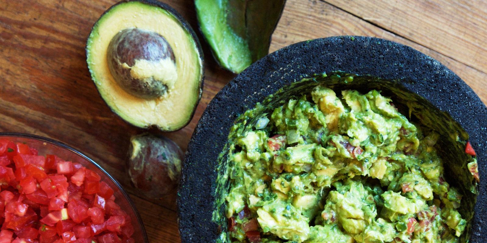 how to make guacamole salsa dip