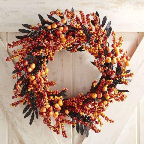 8 Best Halloween Wreaths for 2018 - Spooky and Chic Halloween Door ...