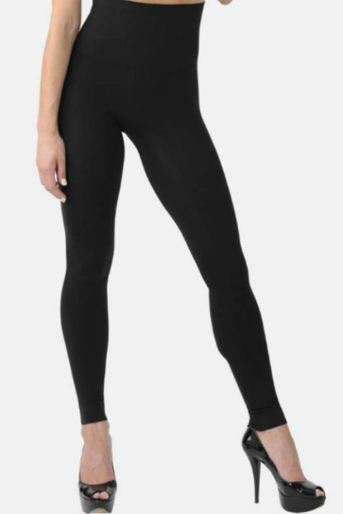 Co-designed with BANDIER, a trendy activewear brand, these maternity leggings offer extra comfort and support. These calf-length leggings come with serge seaming and a wide flex waistband that sits below your bump, so you can move comfortably before and after your LO arrives.
