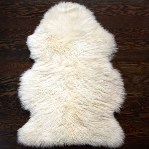 9 best sheepskin rugs 2018 faux and real sheepskin rug reviews - Cozy white shag rug for the comfortable steps sensation ...