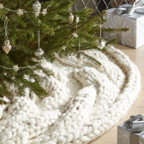 crate barrel cozy knit ivory tree skirt - White Christmas Tree Skirt