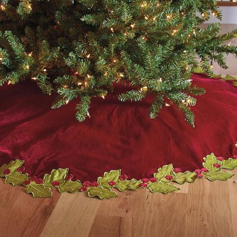 grandin road holly border tree skirt - Christmas Tree Skirts