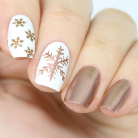 9 Best Holiday Nail Art Designs For 2018 Festive Christmas Nail Art Ideas